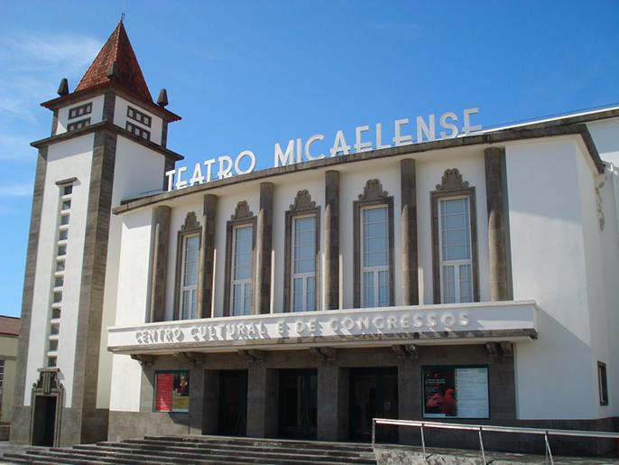Teatro Micaelense com grandes nomes da música portuguesa e espaço para artistas açorianos
